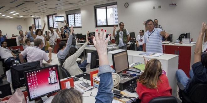 01/10/2014. Belo Horizonte.Minas Gerais. Brasil. Foto: Jackson Romanelli/Infinito. Assembleia com jornalistas na redação do jornal Hoje em Dia.